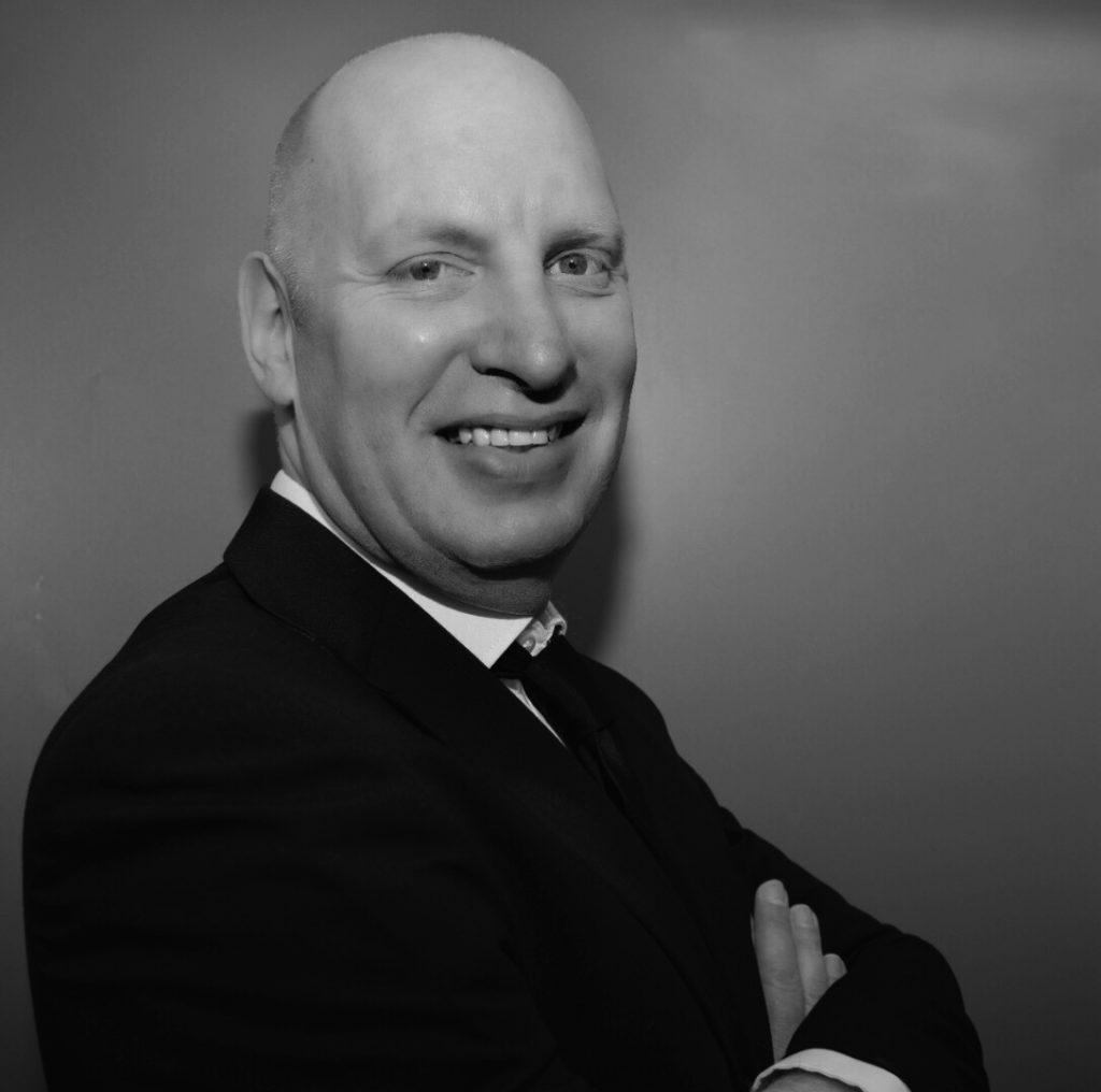 language teachers: picture of Mark Lewis